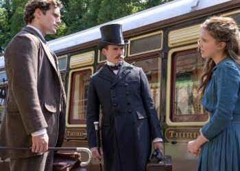 Henry Cavill, Sam Claflin and Millie Bobbie Brown filming at the SVR
