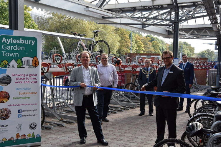 New bike racks unveiled at Aylesbury Station