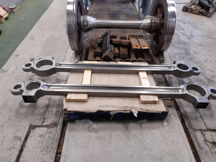 Left hand and right hand intermediate coupling rods for 2007 Prince of Wales