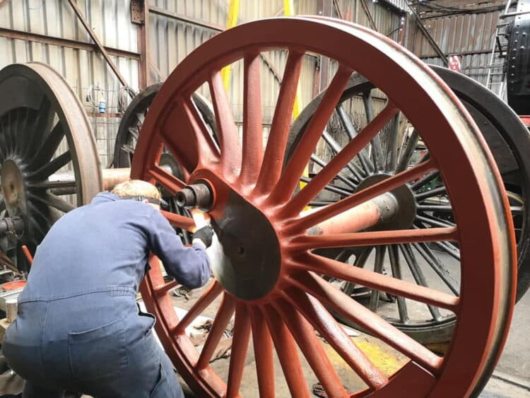 Painting Coupled Wheels on 7027 // Credit 7027 Thornbury Castle FB page