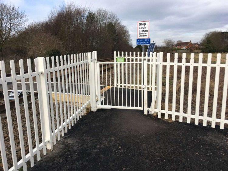 Snuff Mill Lane level crossing in Cottingham