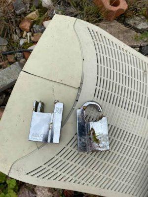 Locks at Froghall broken
