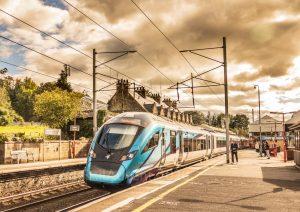 TransPennine Express 397007 arrives into Oxenholme Lake District