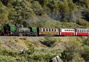 Garratt 143 heads through the Aberglaslyn Pass