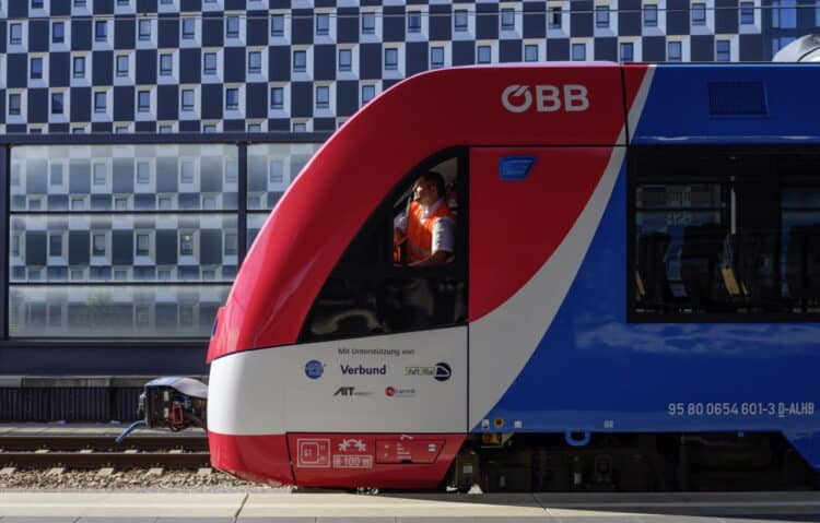 Coradia iLint Hydrogen train on test in Austria