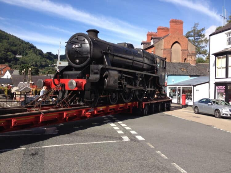 LMS Black 5 No. 45337 in Llangollen