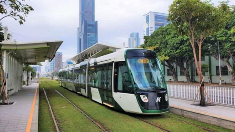 Alstom introduces Citadis X05 trams to Kaohsiung