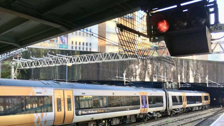 Birmingham New Street signal and platform