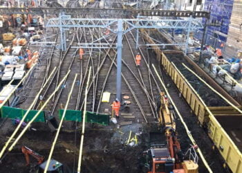 Network Rail reaches major milestone on £1.2billion East Coast Upgrade as all four tracks into King's Cross are lifted for the first time in decades to allow sewer reconstruction