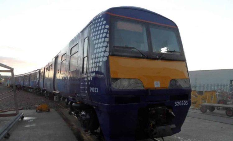 Class 320 No.320303 // Credit Eversholt Rail