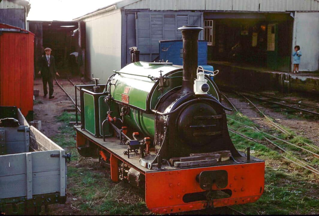 "for many years a steam engine owned by an LCLR director, the late John Burdett of Louth, was based on the LCLR, but proved too heavy for the track. ""Elin"" was an 0-4-0ST built by the Hunslet Engine Company of Leeds in 1899, as their works number 705, for slate quarries in Wales and after closure of the Humberston site, was moved first to the Yaxham Light Railway in Norfolk and is now on the Richmond Light Railway in Kent"