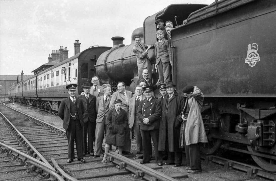 16th May 1954 and the only through train to Horncastle ever to run from Donington on Bain and the line across the Lincolnshire Wolds via Louth, is greeted by an enthusiastic group of Horncastle station staff and the public, before its return to Nottinngham