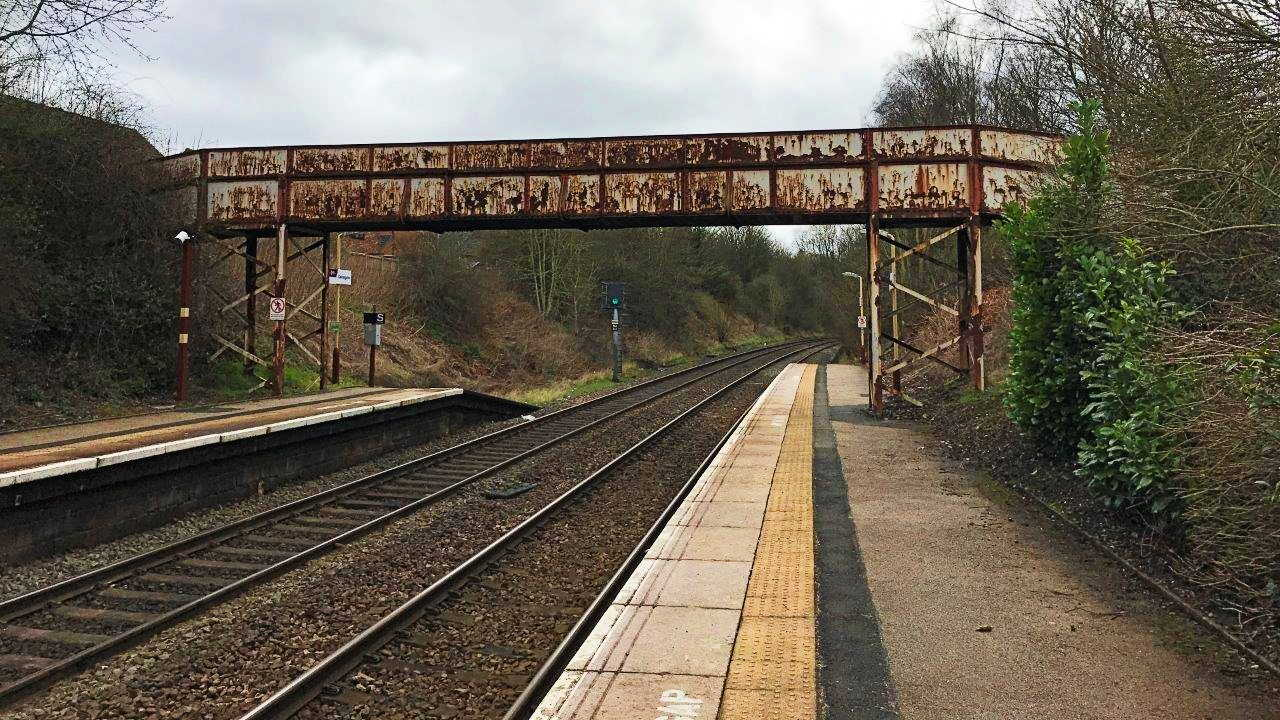Footbridge to be replaced at Oakengates Station