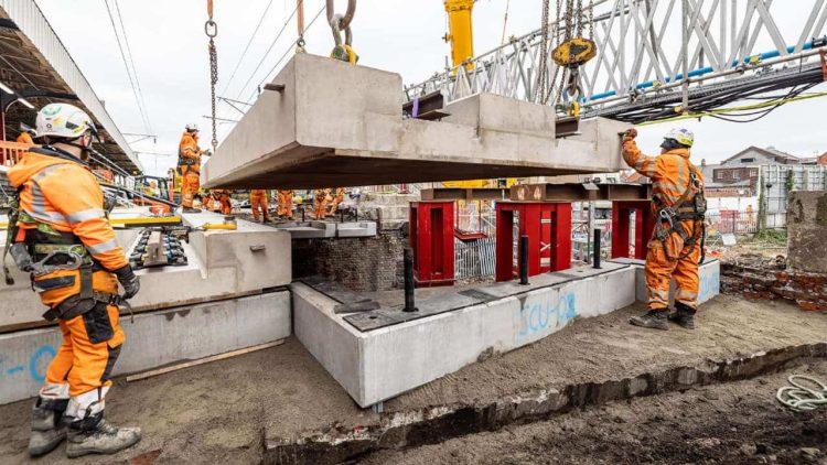 Warrington Bank Quay new deck lift