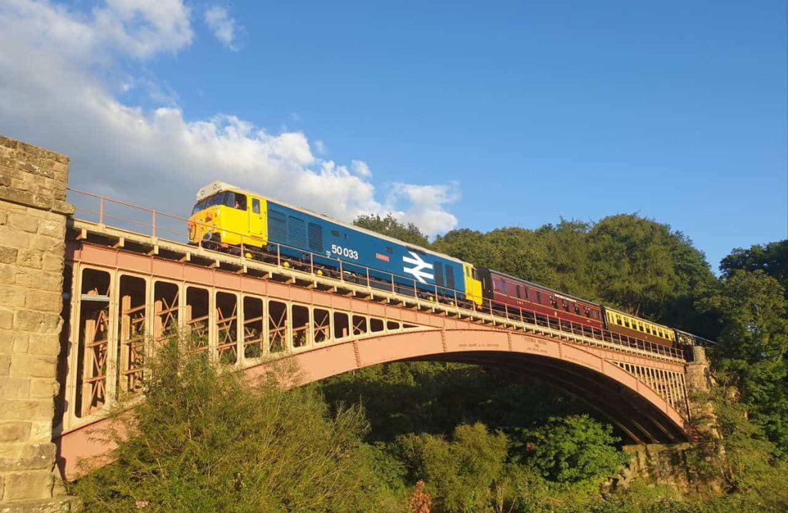 50003 on Victoria Bridge, Andrew Holl (1)