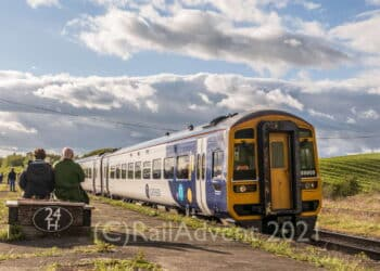 Northern's 158909 arrives into Hellifield