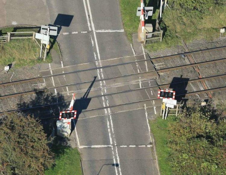 Broome Lane level crossing