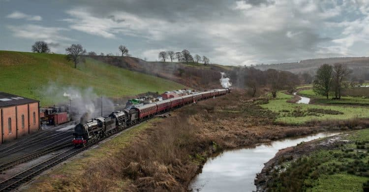 S160s hauling a train on the Churnet Valley Railway