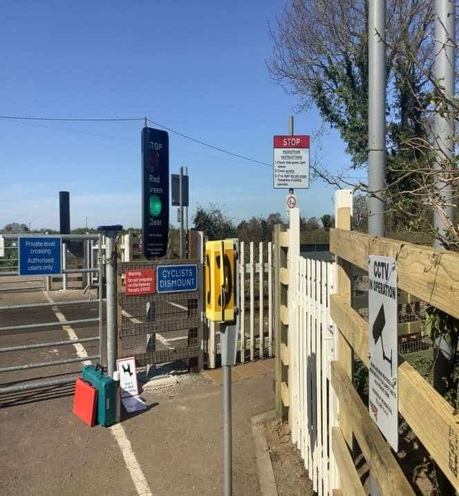 Pond Street Level Crossing