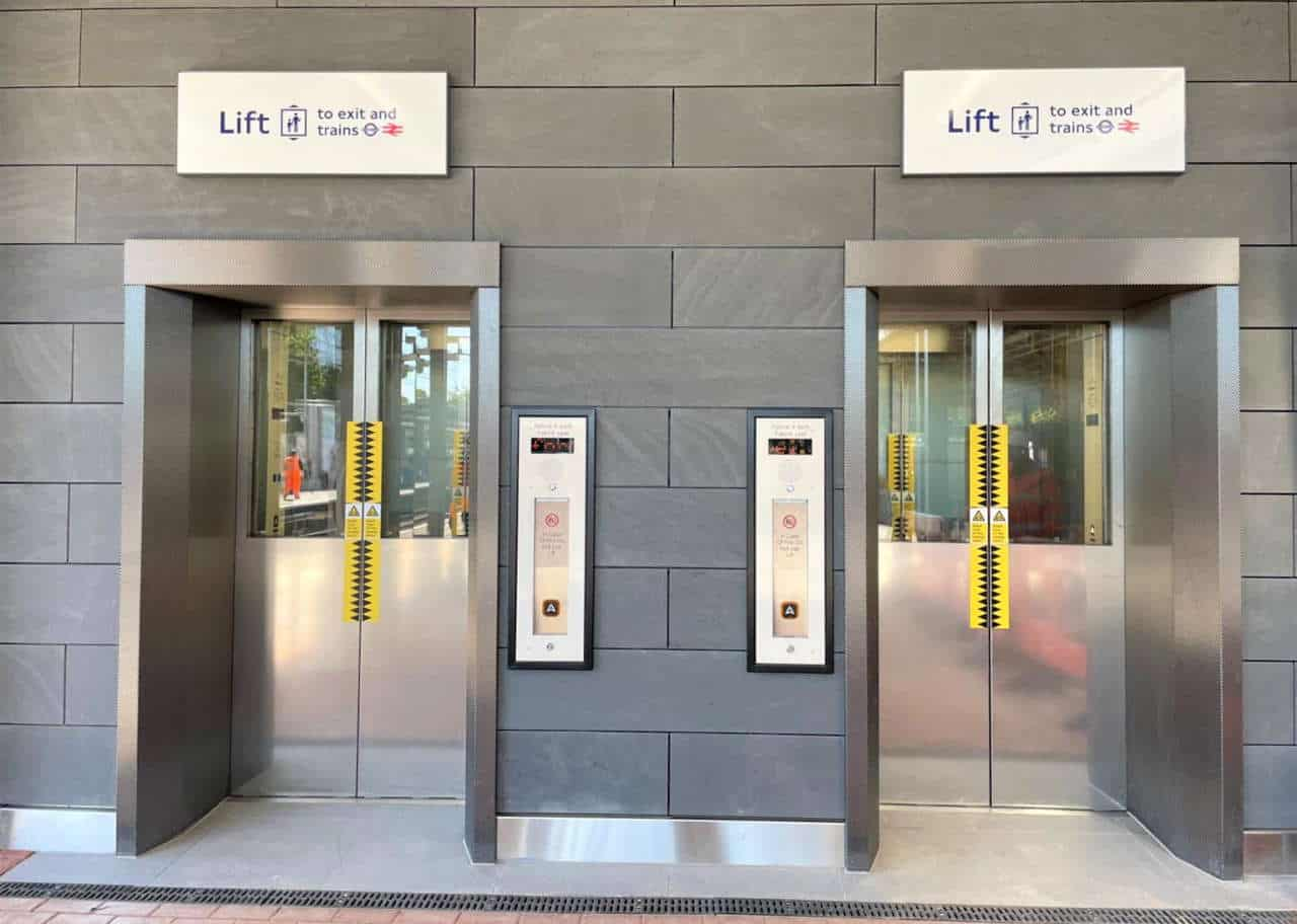 New lifts at Ealing Broadway station