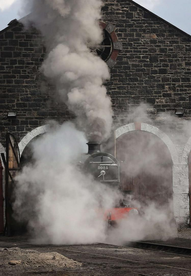 LMS Black 5 No. 5025 unveiled at the Strathspey Railway