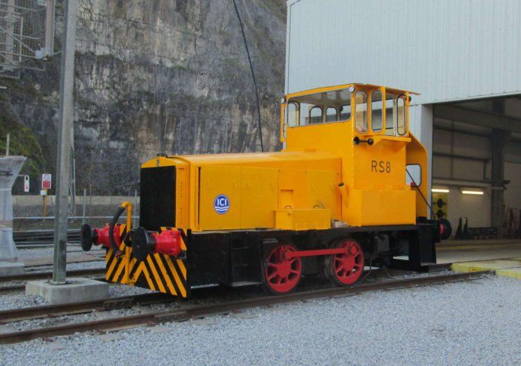 RS8 locomotive