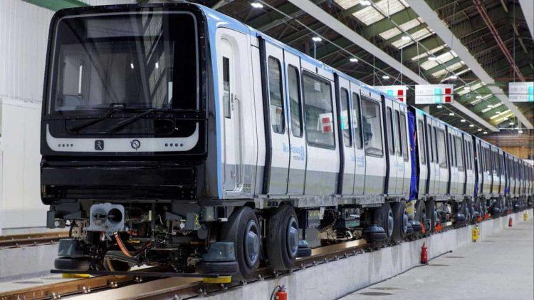 MP14 ligne 11 du metro parisien vue d'ensemble