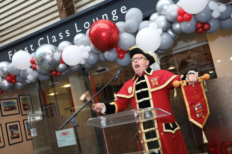 York First Class Lounge - Town Crier Ben Fry