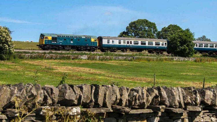 Class 26 26007 on the Wensleydale Railway