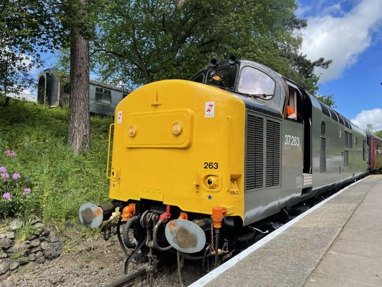 37263 arriving at Horsehay and Dawley station