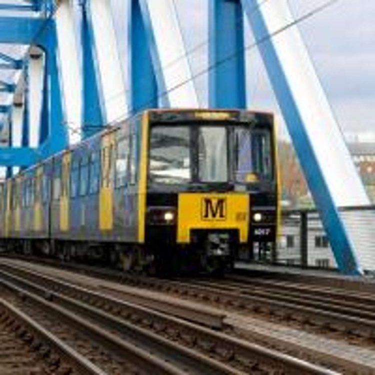 metro_on_qe2_bridge_amended_resized_14