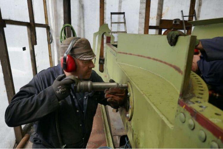 work on a loco 4253