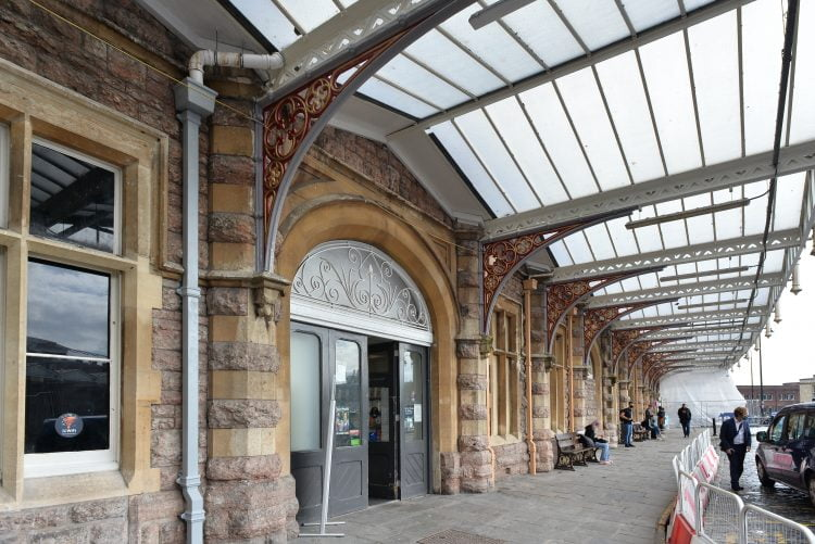 Bristol Temple Meads new paint work