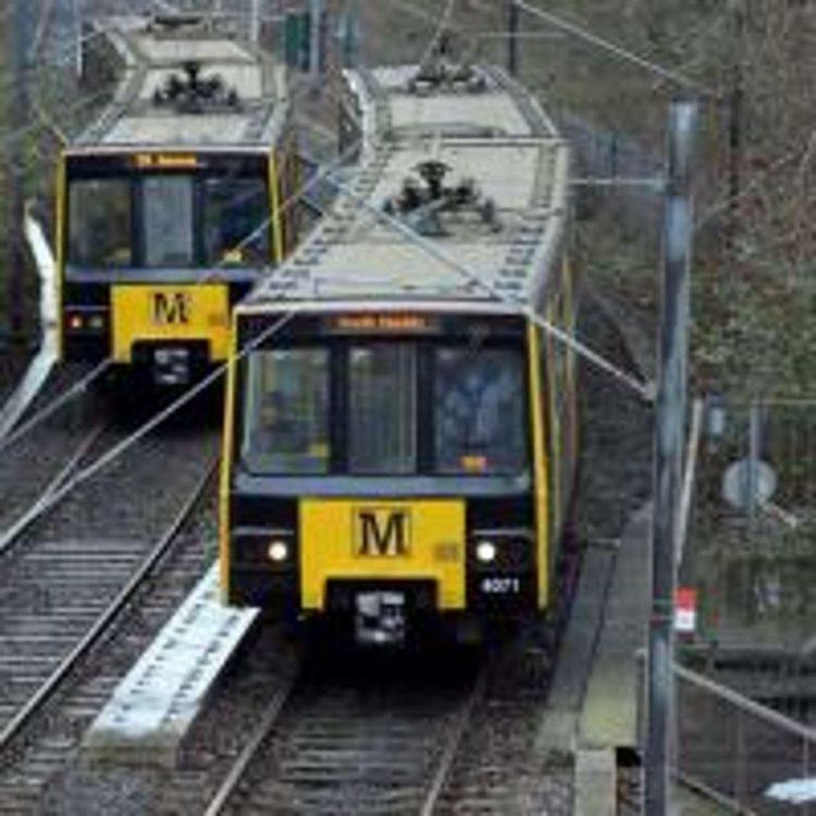 metro trains on line